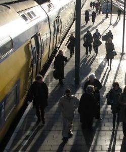 De dagelijkse treinreis-typetjes